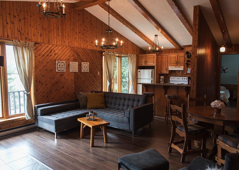 location chalet 2 chambres pour 4 laurentides chalets. Black Bedroom Furniture Sets. Home Design Ideas