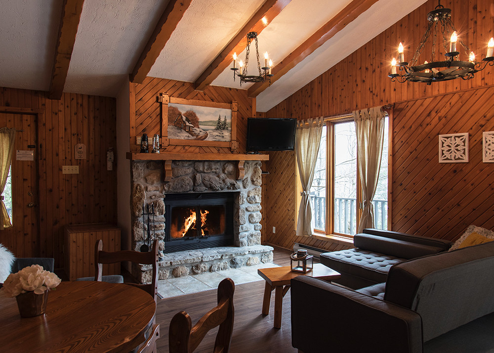 Two bedrooms Chalet for rent for 4 Laurentians | Chalets Chanteclair